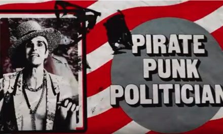 Perry Farrell lanza nuevo single 'Pirate Punk Politician'