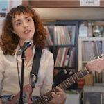 Núria Graham lanza el videoclip de 'Toilet Chronicles'